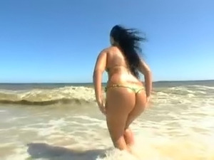 Big Brazilian Bunda