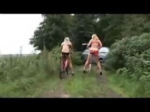 Out in the midst of nature, these girls feel an uncontrollable urge to fuck