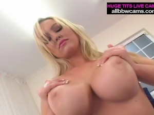 Blond Big boobs likes to fuck pt 1