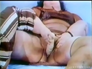 Vintage clip of ssbbw and friends