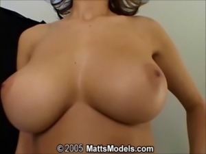 5 Amateur Hotties with Big Tits ... free