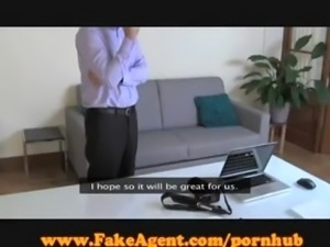 FakeAgent Hot amateur in casting interview!