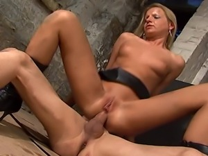 Hard anal fucking at a construction site. check out as this horny blonde gets...