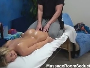 Amateur fucked in massage room