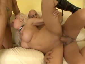 35 year old blonde porn legend wit huge fake tits and ass as phat as ever...
