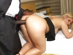 Nicole Gaucha having fun with black cock