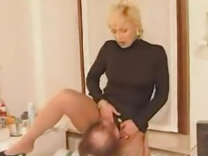 Plumber gets fucked by horny housewife