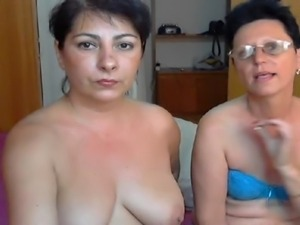 two mature women show and play p1 free