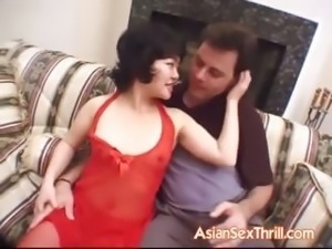Petite Oriental goes for threesome