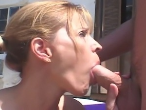 Blonde milf banged under the sun