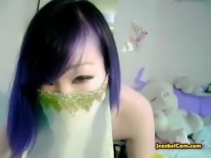 Asian Amateur Has Fun On Cam Playing Around free