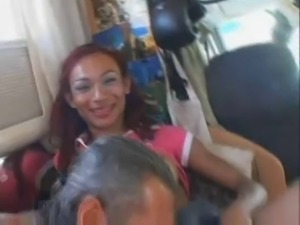 Redhead TS Raissa looks so hot in mutual anal act