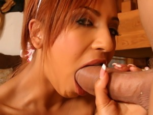 Latina babe Veronique Vega takes it hard and deep