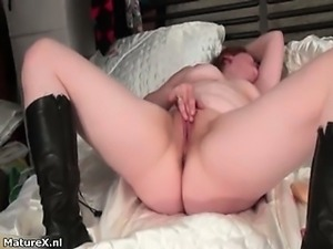 Dirty fat bitch goes crazy rubbing her part5