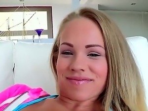 Britney Young being sucked her pussy by Lexington Steele freaking her asshole.