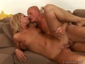 Young hooker fucking with grandpa