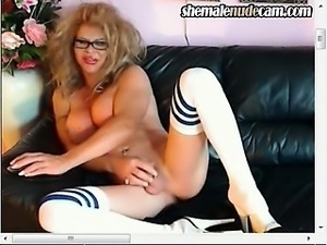 Canadian Shemale on Webcam