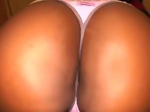 Booty Aryana Starr takes her cloths off, shows big black ass and gets...
