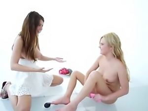 Adorable and mesmerizing fair skinned babes Karina White and Kelly Surfer...