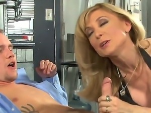 Britney Young and Nina Hartley dont want to talk, they want only to suck