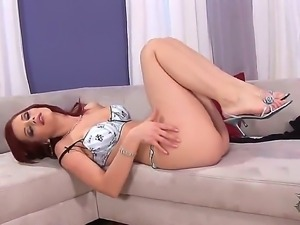 Skinny redhead Ariel Piperfawn gets preety horny and nasty while stimusexy...