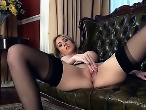 Sexy hot Peri strips seductively showing off her gorgeous ass and flawless...