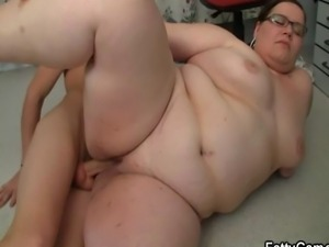 BBW seduces her student into sex