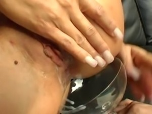 Horny Euro Slut Spread Open For DP Creampie Pop