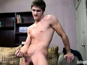 Owen Tyler is a Texas hottie, only 18 but already buffed