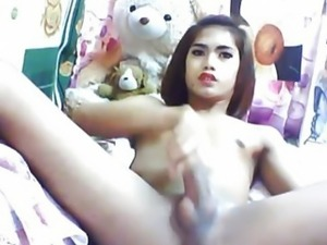 Asian Tranny Playing her Hard Dick