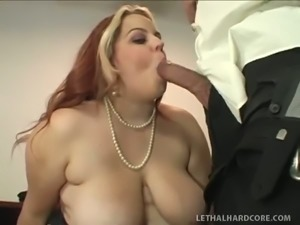 Buxom Bella fucks the President