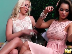 Blonde latin Daisy Marie just loves carpet munching and cant say No to...