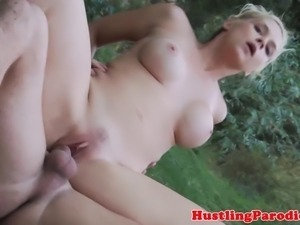 Sarah Sloanes survival fuck outdoors and cant get enough