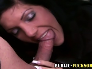 Nasty euro amateur hooker sucks dong and fucks outside