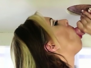 Jeanie Marie gives an awesome handjob