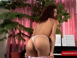paradise films hot babe cums solo
