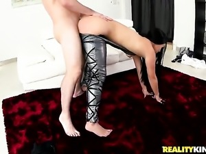 Delicious chachita porn diva Peter Green wants mans rod to fuck her mouth