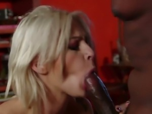 Tattooed hottie Kleio trying that big black cock