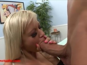 Sexy blond with big copy tits come do  porn and geting good fucked squirt d