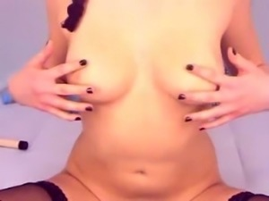 Breath-taking webcam girl fingering her pussy sensually