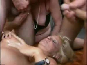 GERMAN GRANNY NYMPHOS ORGY
