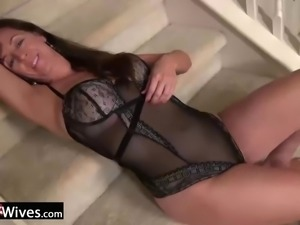 USAWives mature Rose enjoying her wet pussy alone