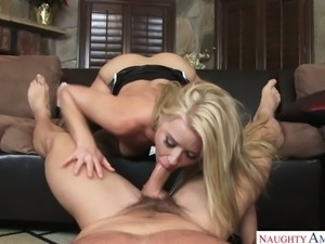 Feisty PAWG Anikka Albrite has got skills and what a nice booty she's got