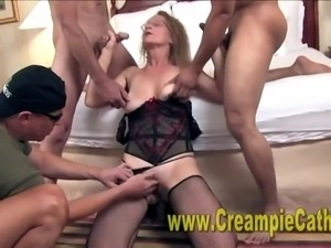 Wife Gets Massive Creampies