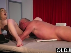 Hot Teen pussy licking hardcore fucking in old young cumshot facial