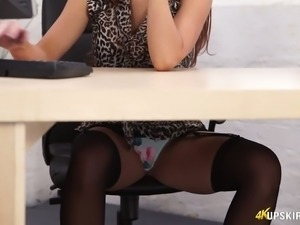 Curvy MILF Layla flashes her booty upskirt in softcore clip
