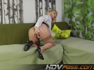 Hairy pussy and hairy cock in sixty-nine.mp4