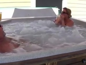 Bear fucks his wife in Hot-tub