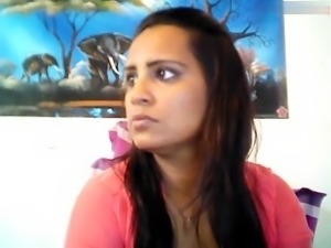 Desi Horny Aunty smoking n showing everythng