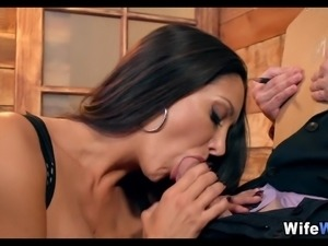 Wife Loves a new Cock in Her Mouth